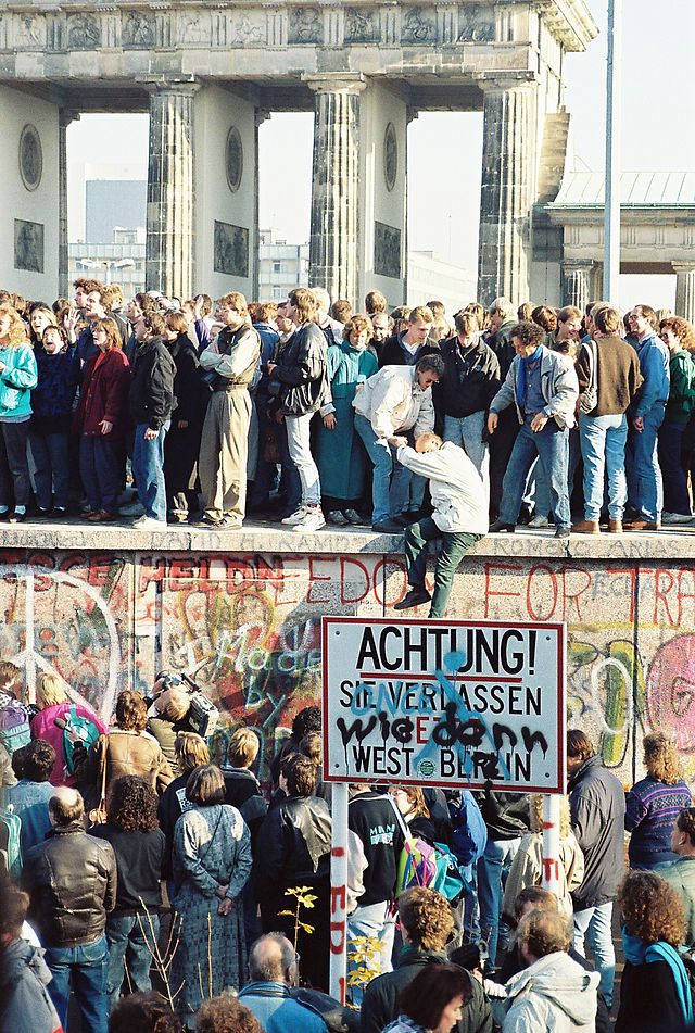 Germany - 1989 BerlinWall-BrandenburgGate